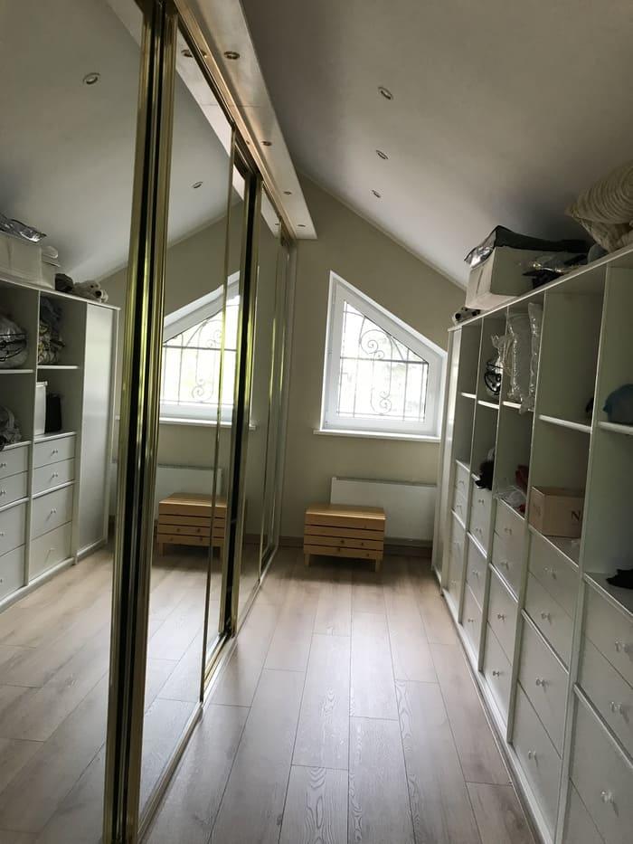 Объект дом 296м2 фото гардероб 1